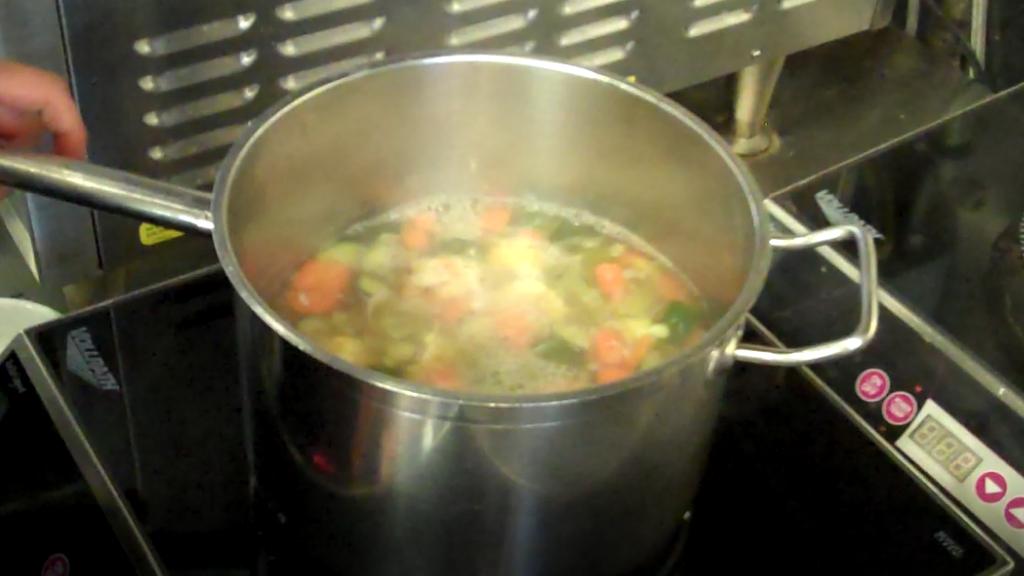 Vegetable Noodle Soup 4